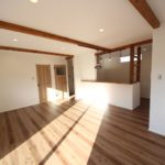 注文住宅で簡単に安くカフェ風インテリアにする方法│ドアと床が最重要です。
